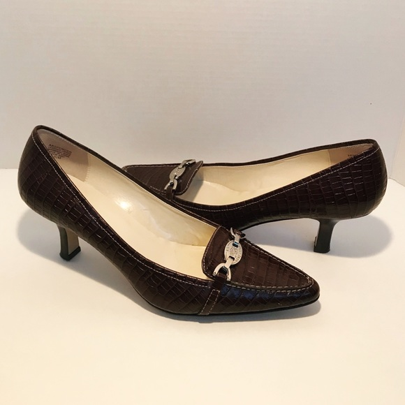 8639e2f353a Anne Klein Shoes - ANNE KLEIN  SPENCER  Brown Leather Heels 9.5M